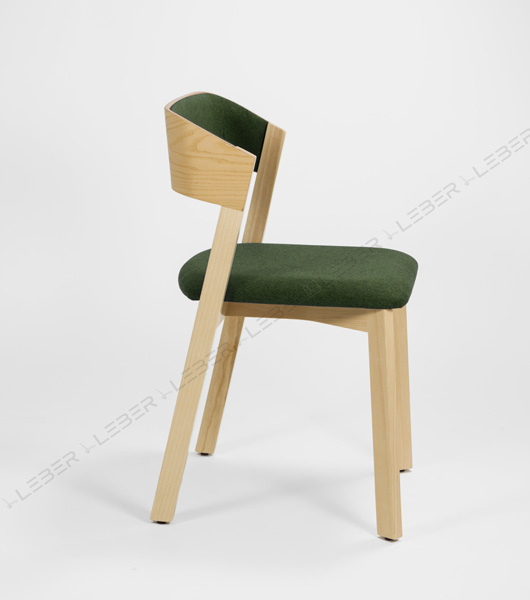 Silla Wally diseño en madera para proyectos contract